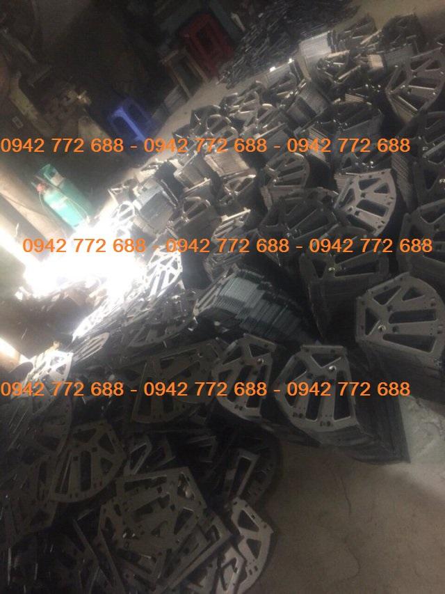 xưởng sản xuất giá xoay tủ giầy